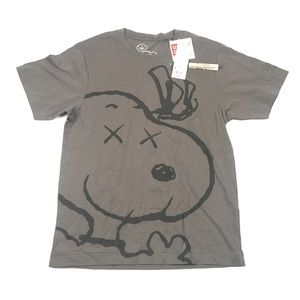 KAWS UNIQLO Peanuts Snoopy Gray Shirt Small *Rare